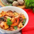 Seafood Nanas Pedas